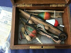 VINTAGE BOX OF PIKE TACKLE – LOVELY – LOOK