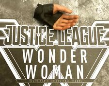 Hot Toys Wonder Woman Left Hand MMS450 MMS451 Justice League Brand New 1/6 3