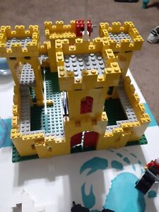Lego Yellow Castle (6075 / 375)