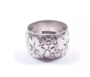 Vintage Wedding Band Ring Sterling Silver Flower Patterned English 1974 Hallmark
