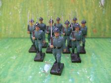 Lineol Gruppe mit 10 französischen Soldaten im Marsch