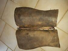 Ancienne paire de guétre en cuir militaire 1941 + calot  et bande molletiere