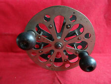 """A VINTAGE 4 1/2"""" PFLUEGER TAXIE SIDE MOUNTED SEA REEL"""
