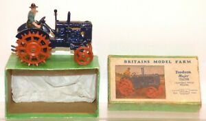FV15 Britains boxed 127F Fordson Major Tractor (Spudded Wheels) VGC