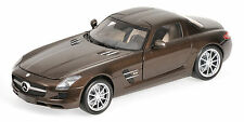 Minichamps Mercedes-Benz SLS AMG 2010 1:18 metallic brown (MCC)