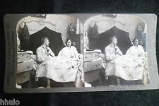 STA957 Scène de genre couple lit chambre Photo 1900 STEREO stereoview