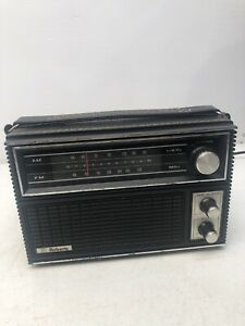 Vintage Roberts The Pro Line AM/FM Dual Powered Portable Radio Model R-1212