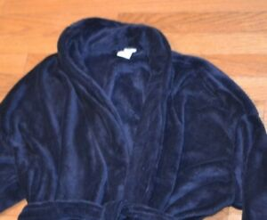 The Extra Soft Plush Robe Croft & Barrow Easy Care Navy Robe Warm & Cuddly