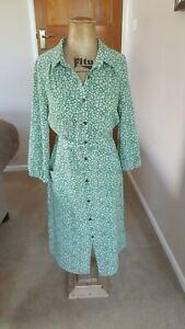 Monteau Tea Dress Size M