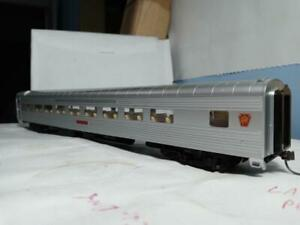 Walthers #932-6787, P.S. 64 seat coach PRR used very good