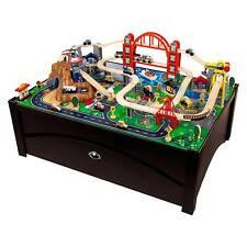 Mesa de tren de madera
