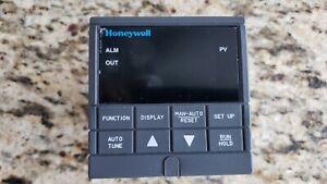 HONEYWELL UDC2000-2-000-100000-0 UNIVERSAL DIGITAL CONTROLLER