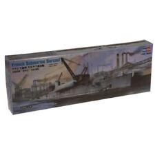 Bateaux et navires miniatures croiseurs