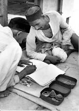 """Photo 1920 India """"Merchants Calculating The Day's Accounts"""""""