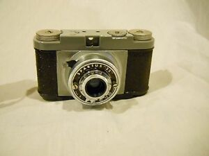 Vintage Spartus 35mm Camera with Genuine Leather Case (Used)