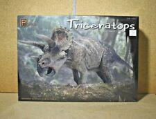 Pegasus > Triceratops Display Model Kit w/ Base, 1:24 Scale  [9550]