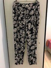 Women's Black and White Floral Print 'Bardot' Pant Size 8