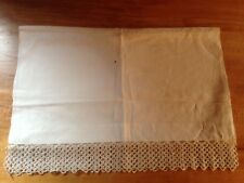 "Antique linen hand-tatted table runner, 50"" x 19"""