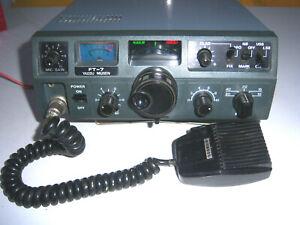 Transceptor YAESU FT-7 (SSB y CW)