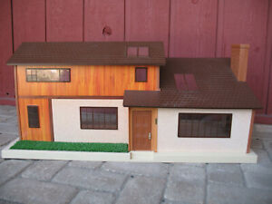 TOMY DOLL HOUSE Smaller Home and Garden COMPLETE Vintage + Orig INSTRUCTION BOOK
