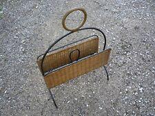 Porte revue en fer et  rotin, vintage,moderniste,déco,design