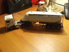 Conrad 4314 Volvo F12 with Bulk Powder Tanker in 1:50 scale, BNIB