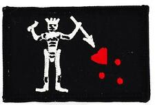 Patch écusson brodé Drapeau PIRATE JACK RACKHAM TETE DE MORT  BARBE NOIRE TEACH