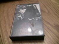 "LINDA RONSTADT ""MAD LOVE"" CASSETTE TAPE"