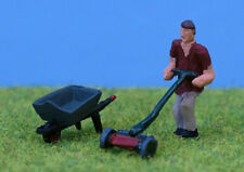 OO/HO Painted gardener + lawnmower & wheelbarrow P&D Marsh PDZ31 free post F1