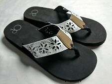 3d9a386ce239 OP Ocean Pacific White   Brown Beach Flip Flop Thong Sandals Sz. 9-10