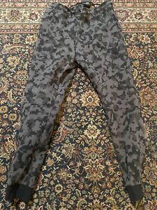NEW NIKE Sportswear Tech Fleece Camo Jogger Pants CJ5981-010 Men's Size M