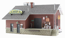 WOODLAND SCENICS BUILT & READY CHIP'S ICE HOUSE HO SCALE BUILDING