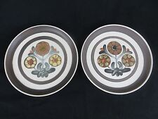 "SET OF 2 VINTAGE 10"" SERVING PLATES - RETRO 60'S PATTERN - EARTHENWARE PLATES"