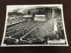 Watchtower - convention photo - 8x10 - convention hall 1947