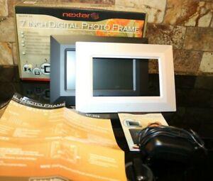 NEXTAR 7-Inch Digital Photo Frame with Slide Show Function Black & Silver Frame