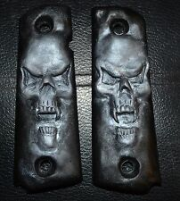 1911 Full Size Pistol Grips small Pearl Skull on black plastic
