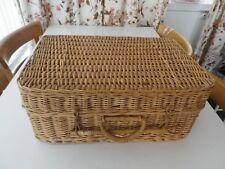 Vintage Wicker picnic/storage basket
