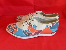 ZEAL WOMENS CANVES SHOES SIZE 8.5