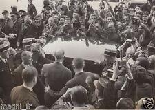 Photographie - Gal Charles DE GAULLE après sa conférence de presse du 19/05/1958