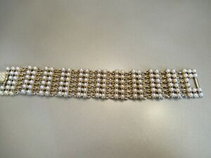 Vintage 1950's gold and Pearl bracelet costume jewellery