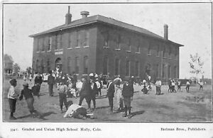 H67/ Holly Colorado Postcard c1910 Graded and Union High Schpool Students 23