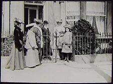 Glass Magic Lantern Slide EDWARDIAN GROUP AT HARROGATE DATED 1905 PHOTO LADIES