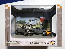 GreenLight Diorama Mustang AVs Ford P51 P-51 Background