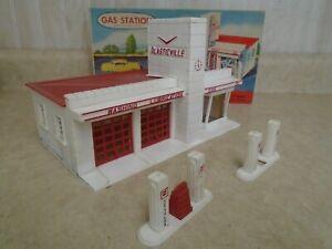 VINTAGE 1952 PLASTICVILLE GAS STATION 1800 149 WITH BOX BACHMANN BROS INC USA