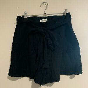 Country Road tie waist shorts - excellent condition - size 12