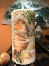 CHRISTMAS ROBIN AND SQUIRRELS HAND DECORATED PILLAR CANDLE 15x6cm