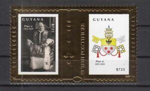 DY9739/ GUYANA – POPE PIE XI – GOLDEN BLOCK Y&T # 523 MINT MNH