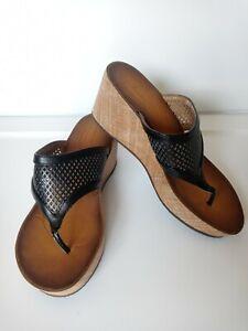 Clarks Avaleen Ocean Platform Wedge Thong Sandal Womens 8M Black Cork Light