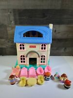 Fisher Price Little People Blue White Doll House w/ Little People 1996
