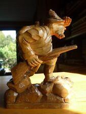 Skulptur - Jäger auf der Pirsch - 23,5 cm Holz super Handarbeit Förster Gewehr